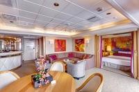Εξωτερικές Καμπίνες με Μπαλκόνι: Deluxe, Suite, Junior Suite, Grand Suite, Royal Suite
