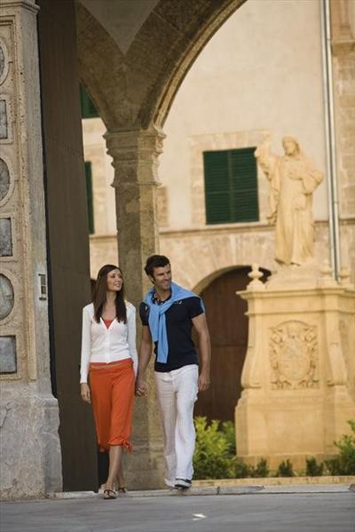Από την Αιώνια Πόλη στην Τυνησία & Βαλεαρίδες (Cos15 9)