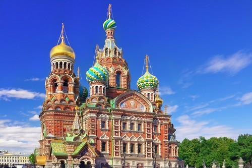 Αγία Πετρούπολη: Ο ναός του Αιμοραγούντα Σωτήρος, ένα από τα κύρια αξιοθέατα, στην Αγία Πετρούπολη. Ρωσσία.
