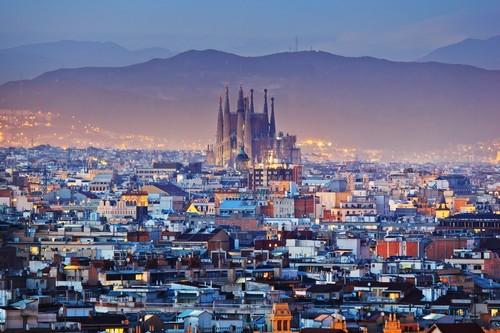 Βαρκελώνη: Ξεχωρίζει η La Sagrada Família είναι ένα από τα πιο διάσημα έργα του Γκαουντί στη Βαρκελώνη. Ισπανία.