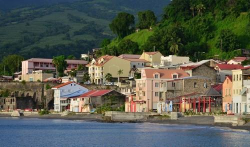 Φορτ Ντε Φρανς - Μαρτινίκη: Η γραφική πόλη Φορτ Ντε Φρανς της Μαρτινίκης. Καραϊβική.