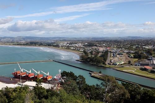 Γκίσμπορν : Μια άποψη του Γκίσμπορν και του λιμανιού αυτής της πόλης στην ανατολική ακτή. Νέα Ζηλανδία.