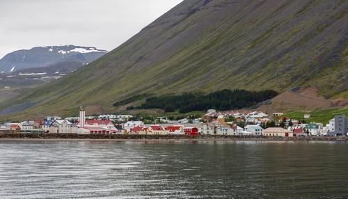Ισαφιόδουρ: Άποψη της πόλης Ισαφιόδουρ, από τη θάλασσα. Ισλανδία.