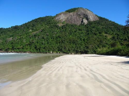 Ισλα Γκράντε: Η παραλία Λόπες Μέντες στο νησί Γκράντε. Βραζιλία.