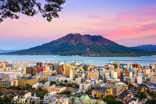Καγκοσίμα: Η Καγκοσίμα με το ηφαίστειο Sakurajima. Ιαπωνία.