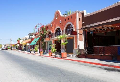 Κάμπο Σαν Λούκας: Στο Κάμπο Σαν Λούκας. Ήσυχος αποικιακός χαρακτήρας του Σαν Χοσέ, με παραδοσιακούς δρόμους, τακτοποιημένες πλατείες, πάρκα και μικρά καταστήματα. Μεξικό.