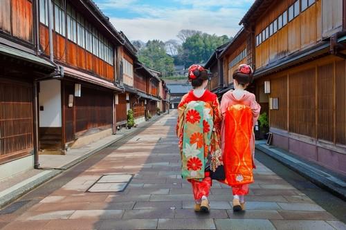 Καναζάουα: Γιαπωνέζες Γκέϊσες στην περιοχή Ηigashi Chaya Gai, στην περιοχή Καζανάουα. Ιαπωνία.
