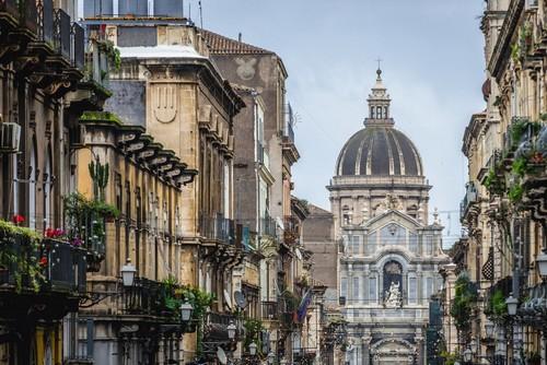 Κατάνια (Σικελία): Ο Καθεδρικός ναός και έδρα της αρχιεπισκοπής της Κατάνια, αφιερωμένος στην Αγία Αγαθή. Σικελία. Ιταλία.