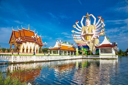 Κο Σαμούι: Wat Plai Laem. Yπέροχος ναός με τα 18 χέρια του θεού Guanyin Koh Samui Surat Thani. Κο Σαμούι. Ταϊλάνδη.