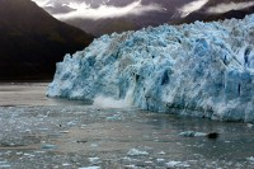 Κόλπος Παγετώνων ( Αλάσκα ): Εκεί φθάνετε μόνο με πλοίο ή αεροπορικώς. Κόλπος Παγετώνων. Εθνικό Πάρκο Glacier. Αλάσκα. ΗΠΑ.