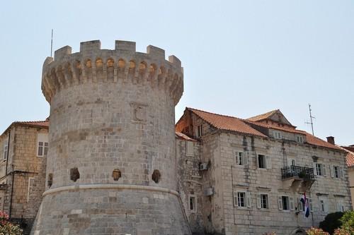 Κόρτσουλα: Ένας από τους πύργους των τειχών -που έχουν χαρακτηριστεί ως το Σινικό Τείχος της Κροατίας- της αρχαίας πόλης Κόρτσουλα. Κροατία.