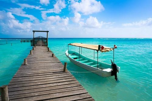 Κόστα Μάγια: Τροπική παραλία. Λευκή άμμος και κρυστάλλινα γαλάζια τροπικά νερά. Κόστα Μάγια. Μεξικό.