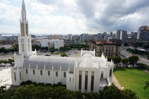 Μαπούτο: Καθεδρικός ναός και κεντρική πλατεία στο Μαπούτο. Μοζαμβίκη.