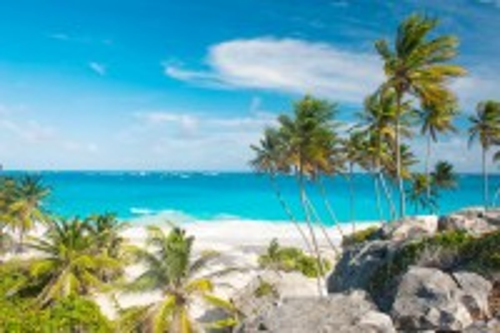 Μπαρμπάντος: Μία πανέμορφη παραλία των Μπαρμπάντος. Καραϊβική.
