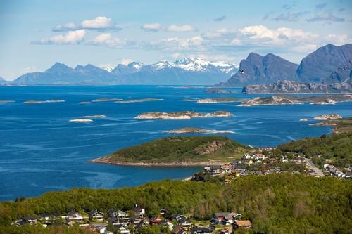 Μπόντο: Πανέμορφο θαλασσινό και αστικό τοπίο στο Μπόντο. Νορβηγία.