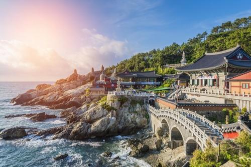 Μπούσαν: O Boυδιστικός Ναός, Haedong Yonggungsa. Ένα από τα must-see είναι κάτι περισσότερο από απλώς ιερός τόπος αλλά και ένα από τα πιο γραφικά σημεία της Κορέας. Μπουσάν. Ινδία.