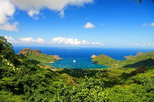 Νούκου Χίβα: Αγκυροβόλιο στη Νούκου Χίβα. Νότιος Ειρηνικός. Γαλλική πολυνησία.
