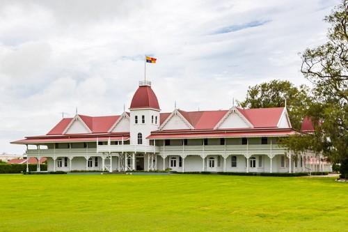 Νουκουαλόφα : Το ξύλινο βασιλικό παλάτι της Τόνγκα στην πρωτεύουσα Νουκουαλόφα. Τόνγκα. Πολυνησία. Ωκεανία. Νότιος Ειρηνικός Ωκεανός.