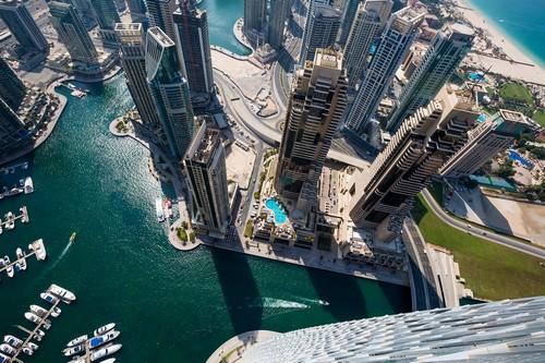 Ντουμπάϊ: Ουρανοξύστες πάνω από την μαρίνα του Ντουμπάϊ. Ντουμπάϊ. Ηνωμένα Αραβικά Εμιράτα.
