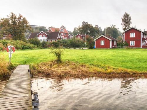 Νύνασχαμ: Κόκκινα σπίτια στο Nynashamn, Σουηδία.