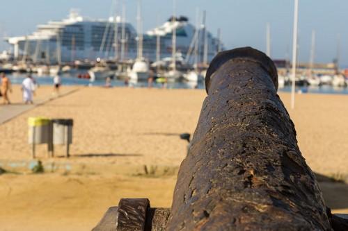 Παλαμός (Κόστα Μπράβα): Παλιό κανόνι κοντά στο λιμάνι. Παλαμός - Kόστα Μπράβα. Ισπανία.
