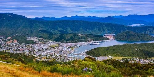 Πίκτον: Πανοραμική άποψη του Πίκτον. Νέα Ζηλανδία.