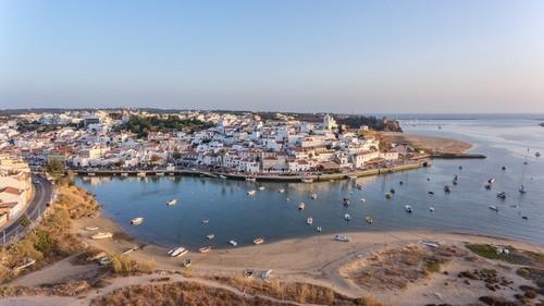 Πορτιμάο : Πανοραμική φωτογραφία του Πορτιμάο. Ιστορικά με δραστηριότητα στην αλιεία και ναυπηγικό κέντρο. Πορτογαλία