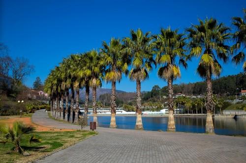 Πράϊα ντα Ρόσα: Παραλία και όμορφη περιοχή στον Ατλαντικό Ωκεανό, στο νότιο τμήμα του Concelho Πορτιμάο, στο νότιο τμήμα του Algarve της Πορτογαλίας. Πράϊα Ντα Ρόσα. Πορτογαλία.