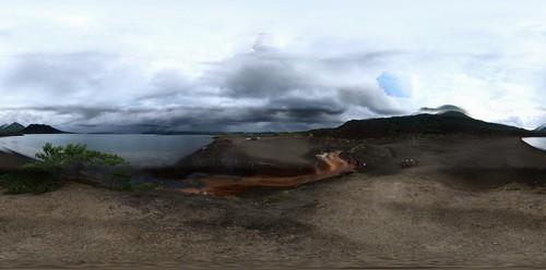 Ραμπάουλ: Όρος tavuruvur, ηφαιστειακή έκρηξη από το ενεργό ηφαίστειο που βρίσκεται κοντά στο Ραμπαούλ. Παπούα Νέα Γουϊνέα.