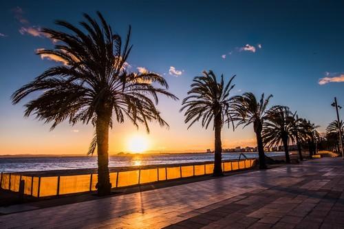 Ρόζες: Παραλία Ρόζες στην Κόστα Μπράβα, Καταλονία. Ισπανία.