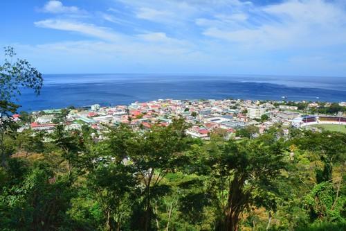 Ροζό: Πανοραμική άποψη της πόλης και του σταδίου. Ροζό. Καραϊβική. Ντομίνικα.