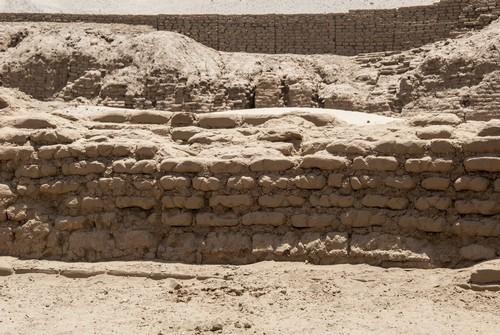 Σαλαβέρι (Τρουχίγιο): H Τσαν Τσαν, η μεγαλύτερη πόλη της προκολομβιανής εποχής και αρχαιολογικός χώρος  5 χιλιόμετρα δυτικά του Τρουχίλο. Περού.