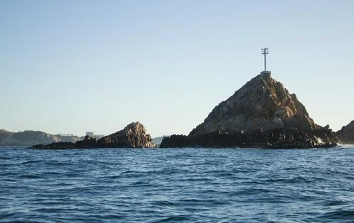 Σάντα Κρουζ Χουατούλκο: Όμορφη θέα στον Ειρηνικό Ωκεανό από τον κόλπο Σάντα Κρουζ, στο Χουατούλκο. Μεξικό.
