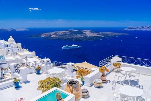 Σαντορίνη: Η μαγευτική θέα από τα Φηρά στην Καλντέρα. Σαντορίνη. Ελλάδα.