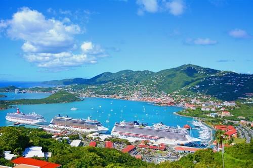 Σαιντ Τόμας: Το λιμάνι του Αγίου Θωμά στα Παρθένα Νησιά. Αμερικανικές Παρθένοι Νήσοι.