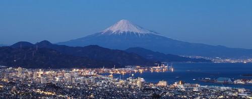Σιμίζου: Ορεινό λιμάνι Fuji και Shimizu στο λιμάνι Shizuoka. Ιαπωνία.