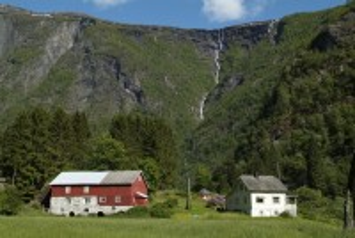 Σκιόλντεν: Όμορφο Νορβηγικό τοπίο κοντά στο Σκιόλντεν. Νορβηγία.