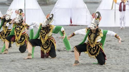 Ανακάλυψη της Ινδονησίας (18HAL63) - Σουραμπάγια