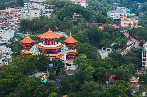 Κιλούγκ: Θεωρείται ως 'παγκόσμια πόλη'. Είναι το πολιτικό, οικονομικό, εκπαιδευτικό, και πολιτιστικό κέντρο της χώρας. Κιλούνγκ. Ταϊβάν.