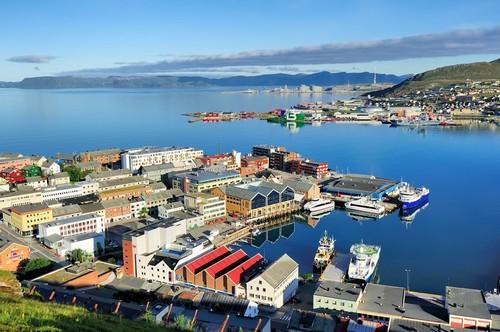 Χάμερφεστ: Άποψη της πόλης Χάμερφεστ. Νορβηγία.