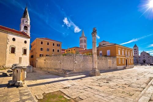 Ζαντάρ: Αρχαία ορόσημα του Ζαντάρ. Δαλματικές Ακτές. Κροατία.
