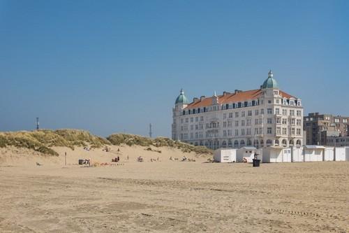 Ζεϊμπρούγκε : Παραλία του Βελγίου στο Ζεϊμπρούγκε. Βέλγιο.